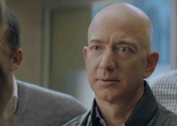 Amazon-ov Jeff Bezos u oglasu za Super Bowl