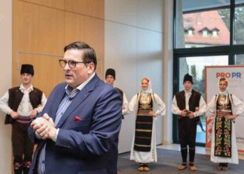 Traditional dances at the opening of the PRO PR Conference at Zlatibor